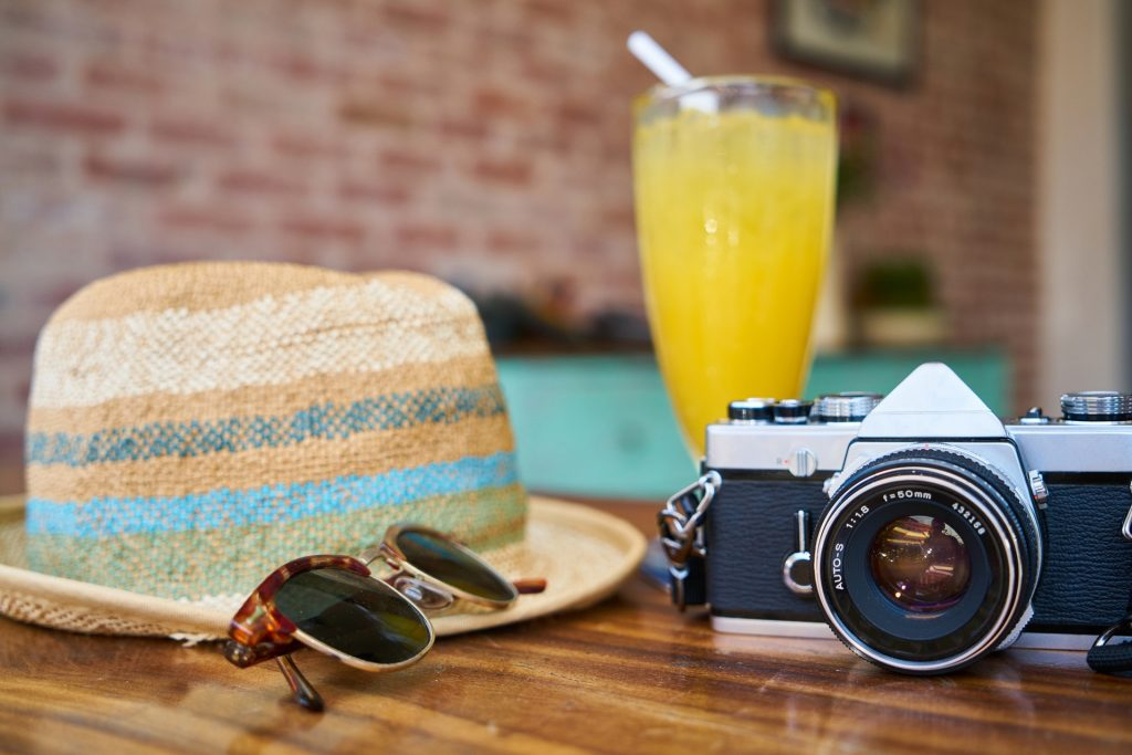 HOW TO PICK THE BEST CAMERA FOR TRAVEL